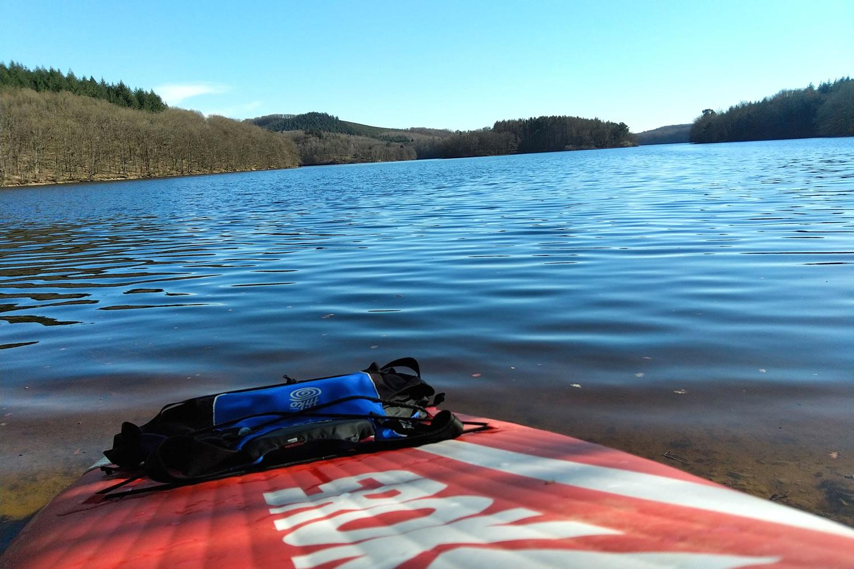 Paddle sur le lac du Chaumeçon